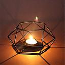 رخيصةأون Home Fragrances-شمعة حامل بسيط أجوف من المثلث تصميم الحديد الفن عرض المنزل