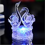 Недорогие -1шт лебедь модель ремесел 7 цвет изменения романтической иллюзии партии праздничный стол декор