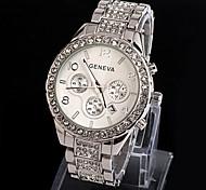 abordables -Genève Femme Montres de luxe Montre Analogique Quartz dames Faux trois yeux six aiguilles Imitation diamant / Un ans