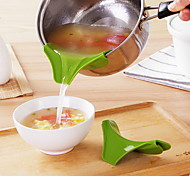 abordables -entonnoir en silicone bec verseur casserole casserole bord déflecteur d'eau antidérapant en silicone ustensiles de cuisine 10pcs 6pcs 2pcs 1pc Vente en gros pour restaurant salle à manger salle