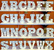 abordables -Ampoules LED lettres lumières signe 26 lettres alphabet allument lettres signe pour veilleuses nuit lumière fête de mariage anniversaire batterie alimenté lampe de noël maison bar décoration