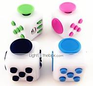 abordables -Blanc fidget cube doigt main haut magique squeeze puzzle cube travail classe maison edc ajouter adhd anti anxiété stress soulager 1 pc