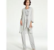 abordables -Tailleur-pantalon Robe de Mère de Mariée  Grande Taille Elégant Bateau Neck Longueur Sol Mousseline de soie Dentelle Sans Manches avec Volants 2021