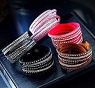economico -Per donna Dell'involucro del braccialetto Multistrato Lungo impilabile A buon mercato Donne Moderno Europeo Pelle Gioielli braccialetto Bianco / Nero / Viola Per Da sera Quotidiano Graduazione