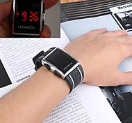economico -Per uomo Orologio sportivo Orologio da polso Digitale Digitale Casuale Resistente all'acqua Cronografo LCD / Un anno / Acciaio inossidabile / Silicone