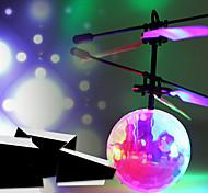 abordables -mignon fée de fleur de style de jeune fille jouet volant avec lumière LED (USB rechargeable)