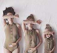 abordables -Maman et moi Lots de Vêtements pour Famille Le maillot de corps Couleur Pleine Marron