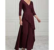abordables -Deux Pièces Tailleur-pantalon Robe de Mère de Mariée  Elégant Col en V Longueur Sol Charmeuse Demi Manches avec Volants Ruché 2021