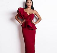 abordables -Fourreau / Colonne Jolis Dos Sexy Vêtements de fête Soirée Cocktail Robe Une Epaule Sans Manches Longueur Genou Spandex avec Volants 2021