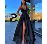 abordables -Trapèze Minimaliste Sexy Fête scolaire robe ceremonie Robe Bretelles Fines Sans Manches Traîne Brosse Satin avec Plissé Avant Fendu 2021