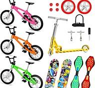 abordables -18 pcs Planches à roulettes Mini touches Vélos à doigts Jeux de Doigt Plastique Alliage Jouets de bureau avec roues et outils de rechange Articles de fête Enfant Adultes Tous Articles de fête pour