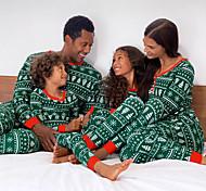 abordables -Regard de la famille Lots de Vêtements pour Famille 4 Pièces Vêtements de nuit Rayé Graphique Manches Longues Patchwork Imprimé Vert Noël Actif