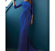abordables -Trompette / Sirène Minimaliste Elégant Invité de mariage robe ceremonie Robe Bateau Manches 3/4 Traîne Brosse Satin Elastique avec Lisse 2021