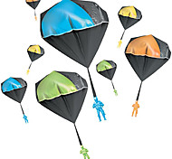 economico -paracadute giocattolo, paracadute giocattolo da lancio senza grovigli, giocattoli volanti per bambini all'aperto, nessuna batteria né assemblaggio richiesto (1 pz / 2 pezzi)