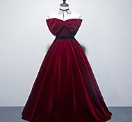 abordables -Robe de Soirée Elégant Rétro Vintage Fiançailles robe ceremonie Robe Sans Bretelles Sans Manches Longueur Sol Velours avec Noeud(s) 2021