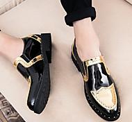 abordables -printemps et automne station européenne coiffeur chaussures décontractées pour hommes bout pointu brillant britannique petites chaussures en cuir pour hommes brogue à semelles épaisses chaussures pour