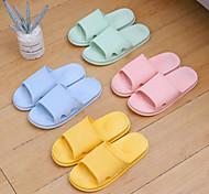 abordables -2021 pantoufles de massage à domicile de style japonais PVC salle de bain simple chaussures de maison antidérapantes imperméables