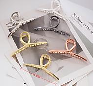 economico -clip di presa in metallo stile caldo transfrontaliero versione coreana della grande croce geometrica che stringe i gioielli in lega