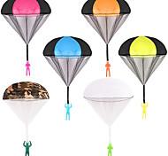 economico -6 pezzi di paracadute, giocattoli volanti da lancio a mano libera da groviglio, senza batteria né assemblaggio, per i regali di gioco all'aperto per bambini