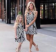 abordables -Maman et moi Enfant Adulte Lots de Vêtements pour Famille Robe Bloc de Couleur Léopard Sans Manches Imprimé Noir Au dessus du genou Eté basique