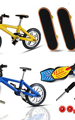 ieftine -7 pcs Skateboard-uri cu degetele Mini tastaturi Plăci de balansare Jucării Deget Plastic MetalPistol cu roți și instrumente de înlocuire Patină Pentru copii Adolescent Favoare de petrecere pentru