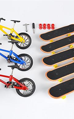 ieftine -8 pcs Skateboard-uri cu degetele Mini tastaturi Biciclete cu degetul Jucării Deget Plastic MetalPistol cu roți și instrumente de înlocuire Patină Pentru copii Adolescent Favoare de petrecere pentru