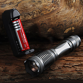 olcso Elemlámpa készlet-UltraFire E6 LED zseblámpák 2000 lm LED LED 1 Sugárzók 5 világítás mód akkuval és töltővel Nagyítható Állítható fókusz Kempingezés / Túrázás / Barlangászat Mindennapokra Kerékpározás Fekete