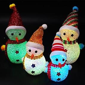 Недорогие LED гаджеты-1 шт. Рождество светодиодный снеговик свет ночи милый снеговик в форме популярных свечение в темноте для детей цвет случайный