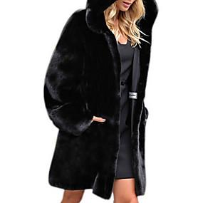 Недорогие Женская одежда из кожи и меха-Жен. Повседневные Наступила зима Обычная Искусственное меховое пальто, Однотонный Капюшон Длинный рукав Искусственный мех Черный