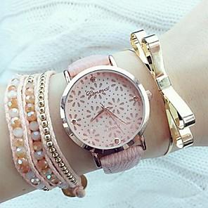 ieftine Faruri de Mașină-Pentru femei Ceas de Mână ceasul cu ceas Quartz Piele PU Matlasată Negru / Alb / Pink Gravură scobită Analog femei Modă Elegant - Alb Negru Roz