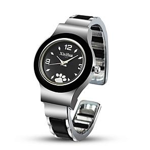 ieftine Ceasuri Brățară-Pentru femei Ceas Elegant Ceas Brățară Ceas de Mână Quartz Oțel inoxidabil Negru / Argint / Roșu Ceas Casual Cool Încântător Analog Atârnat Modă - Alb Negru Rosu Un an Durată de Viaţă Baterie