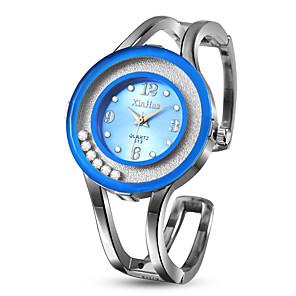 ieftine Cercei-Pentru femei Ceas Elegant Ceas Brățară Ceas de Mână Quartz Oțel inoxidabil Argint Ceas Casual Adorabil Analog Modă Plin de Culoare - Albastru Roz Albastru Deschis Un an Durată de Viaţă Baterie