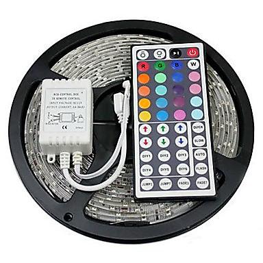 Недорогие Светодиоды и лампы-ZDM 5 м 300 x 5050 10 мм Светодиодные полосы RGB свет гибкие и ИК-пульт дистанционного управления 44key связываемый самоклеющийся с изменением цвета