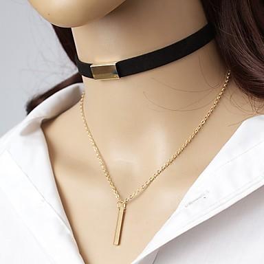 billige Krave-Dame Kort halskæde Krave Nitte Simple Elegant Læder Legering Brun Sort Halskæder Smykker Til I-byen-tøj