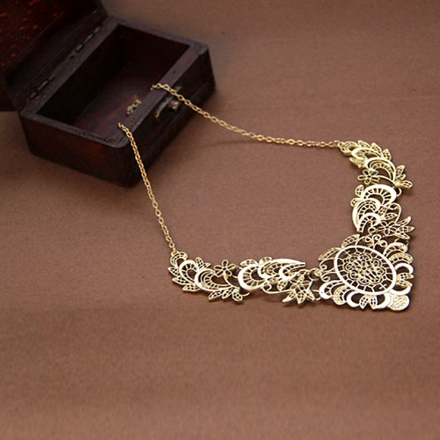 Pentru femei Coliere cu Pandativ Σταυρός Floare femei Lux Vintage European Dantelă Aliaj Coliere Bijuterii Pentru Petrecere