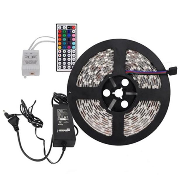 5m Fâșii De Becuri LEd Flexibile / Bare De Becuri LED Rigide / Fâșii RGB LED-uri 5050 SMD 1 44 Controlul telecomenzii / Adaptor de alimentare de 1 X 5A Ce poate fi Tăiat / De Legat / Auto- Adeziv