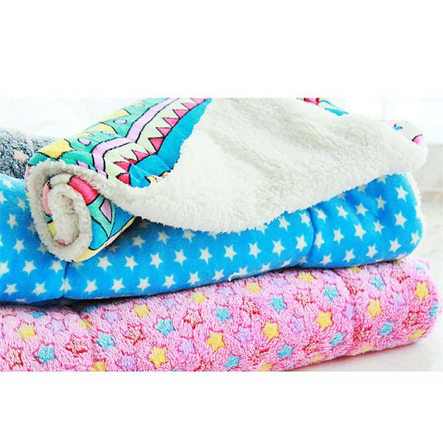 Pisici Câine Căptușeală saltea Paturi Paturi de pat Animale de Companie  Pături Material Textil Geometric Stele Curcubeu Rosu Albastru