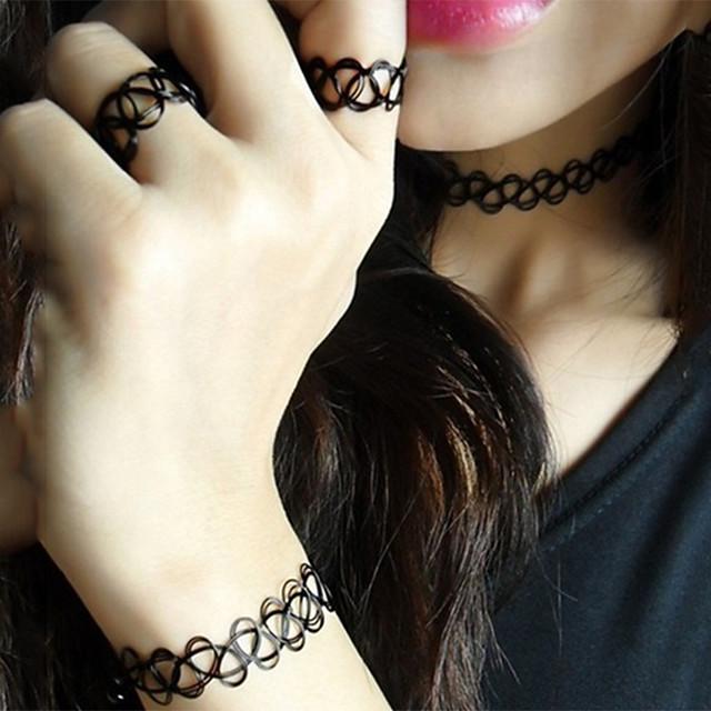 Femme Parure de Bijoux Bracelet Jonc Collier Choker / Ras de Cou Européen Mode Des boucles d'oreilles Bijoux Noir Pour Plein Air / Anneau Alliance Bague