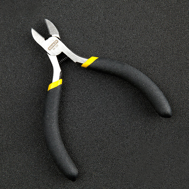 Carbon Steel 113 mm Pliers Outdoor