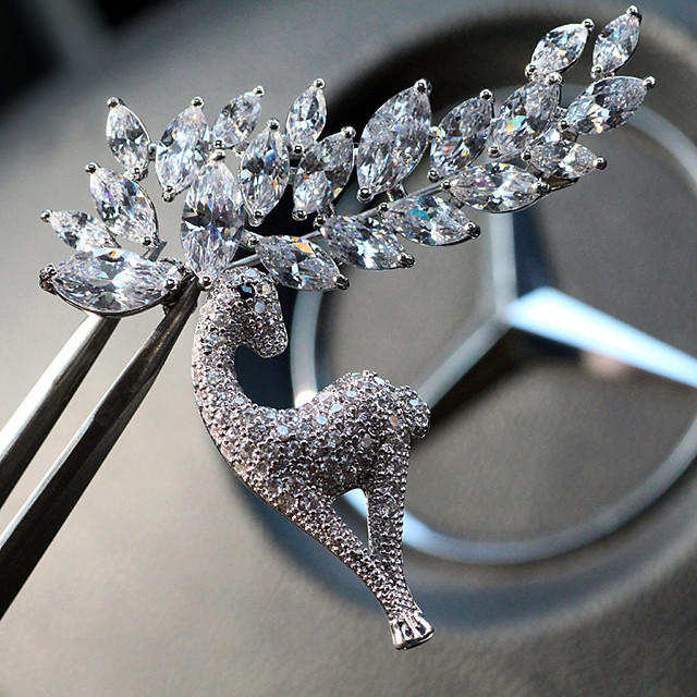 Femme Cristal Broche Classique Elk dames unique Strass Plaqué argent Broche Bijoux Argent Pour Quotidien