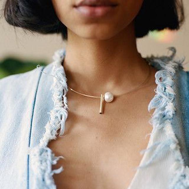 Torque et rigide Femme Géométrique Flottant Perle simple Mode Cool Dorée Argent 49 cm Colliers Tendance Bijoux 1pc pour Quotidien Rond