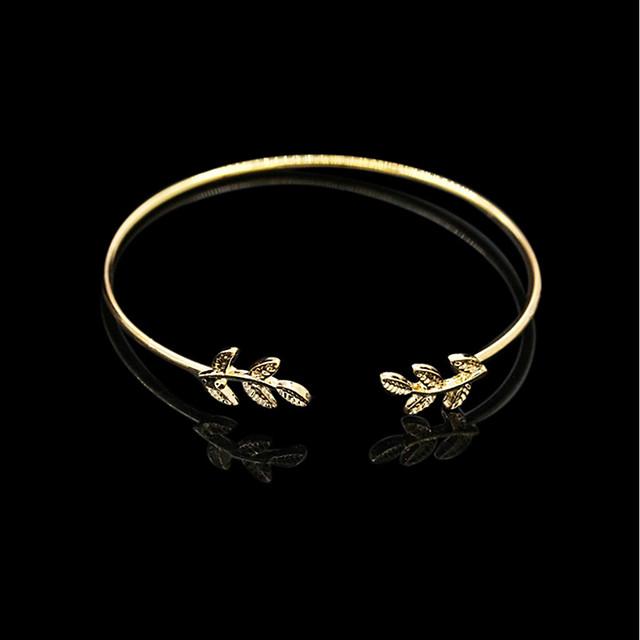Pentru femei Brățări Bantă Clasic Ieftin Simplu La modă Cute Stil Aliaj Bijuterii brățară Negru / Auriu / Argintiu Pentru Zi de Naștere Dată Stradă Birou și carieră