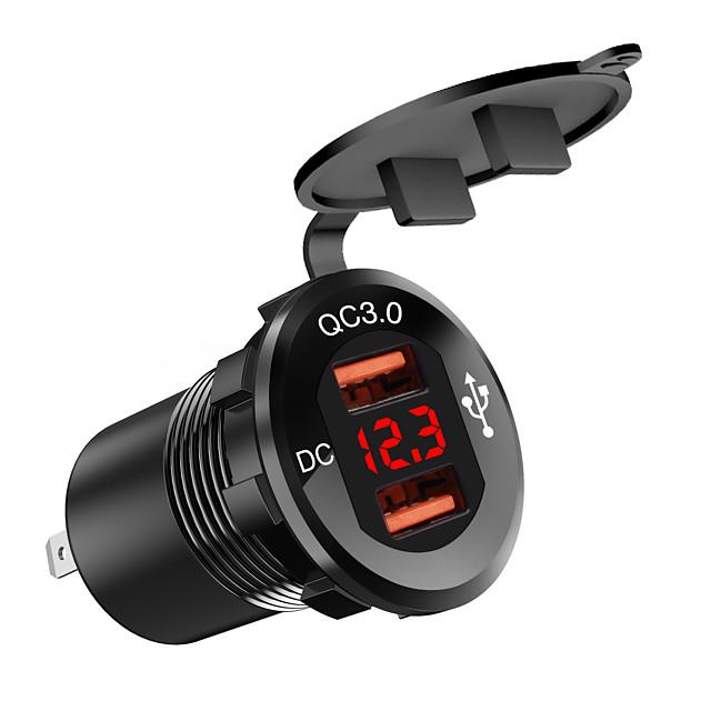 dc12v-24v chargeur de voiture / bouche carrée en alliage d'aluminium double qc3.0usb voltmètre lumière rouge / avec affichage numérique voltmètre / coque noire / matériau en alliage d'aluminium