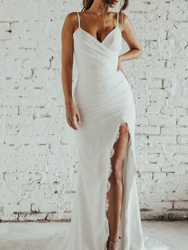 Sheath / Column Wedding Dresses V Neck Spaghetti Strap Sweep / Brush Train Chiffon Lace Sleeveless Simple Sexy with Split Front 2021