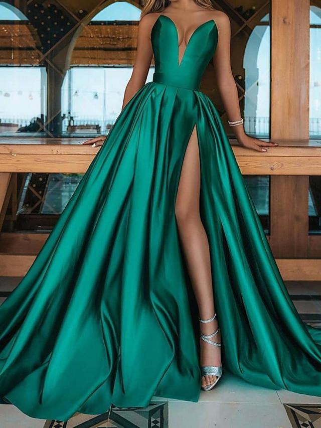 Krój A Minimalistyczny Seksowny Studniówka Kolacja oficjalna Sukienka W serek Bez rękawów Tren sweep Satyna z Plisy Rozcięcie 2021