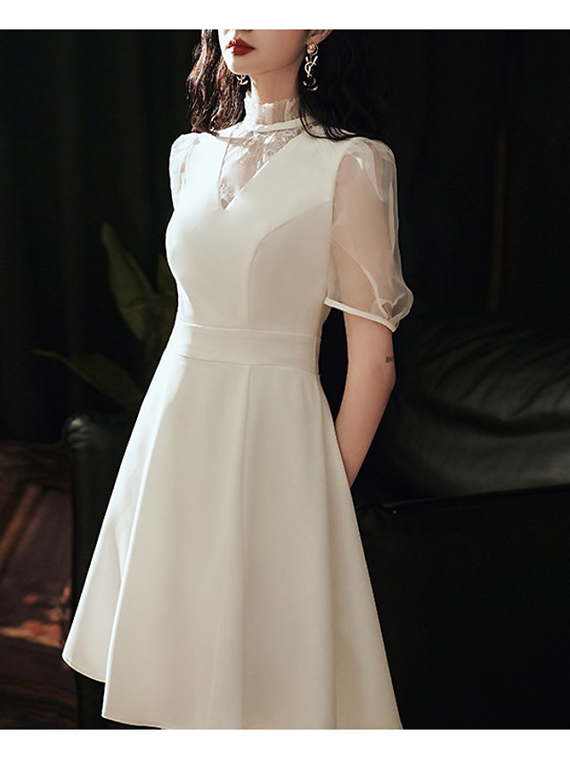 A-الخط رقبة عالية قصير ساتان / تول فستان الاشبينة مع دانتيل