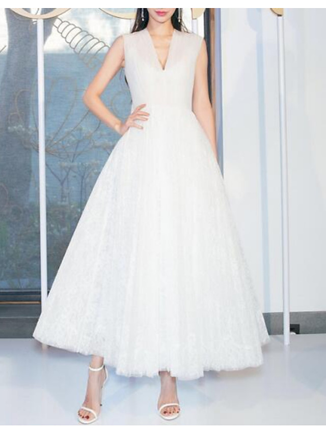 A-Line Celebrity Style Minimalist Wedding Guest Prom Dress V Neck Sleeveless Ankle Length Tulle with Pleats 2021