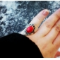 2013 Korean Version Of The New Jewelry Women Rings - Stylish Atmosphere Der Flower Ring (Red)